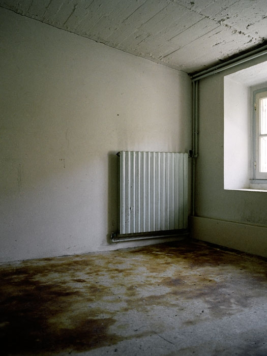 http://experiments.fr/files/gimgs/th-11_julie-hascoet_tenir-rester_09.jpg