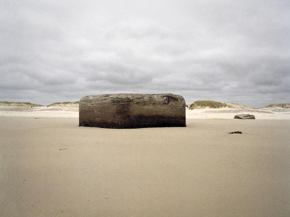 http://experiments.fr/files/gimgs/th-4_julie-hascoet_murs-de-l-atlantique_17.jpg